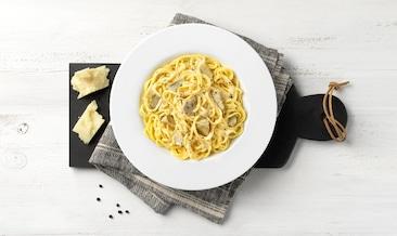 Спагети Ала Китара с пекорино, пипер и артишок
