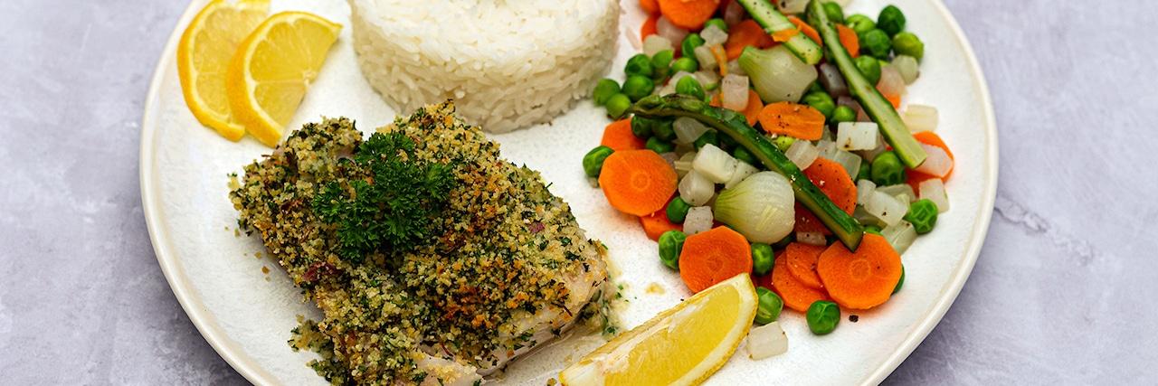 Recettes de chefs | Cabillaud en croûte d'herbe, poêlée de légumes primeurs et riz