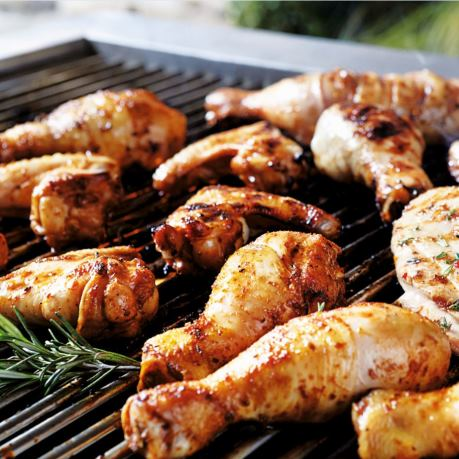 Carne de pui marinata pe gril - pulpe de pui coapte