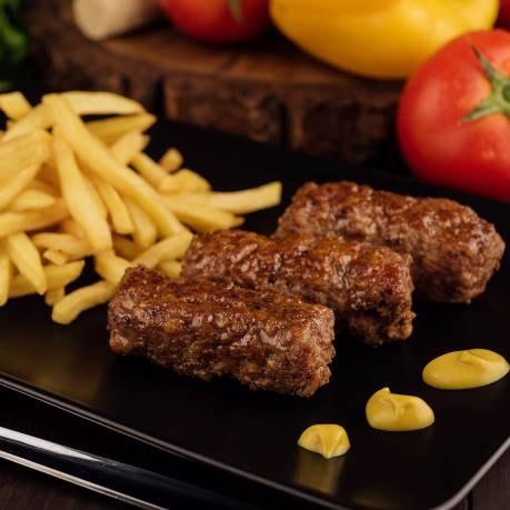 Semifabricate din carne tocata - mici cu cartofi, legume si mustar