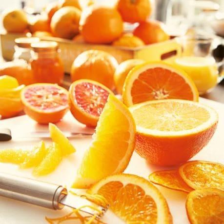 Fructe exotice - citrice taiate (lamai, portocale, grapefruit)