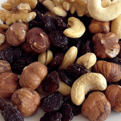 Mix nuci fructe uscate - funduc, caju, stafide, alune, nuci moldovenesti