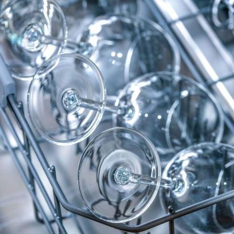 Vesela din sticla horeca in masina de spalat vase
