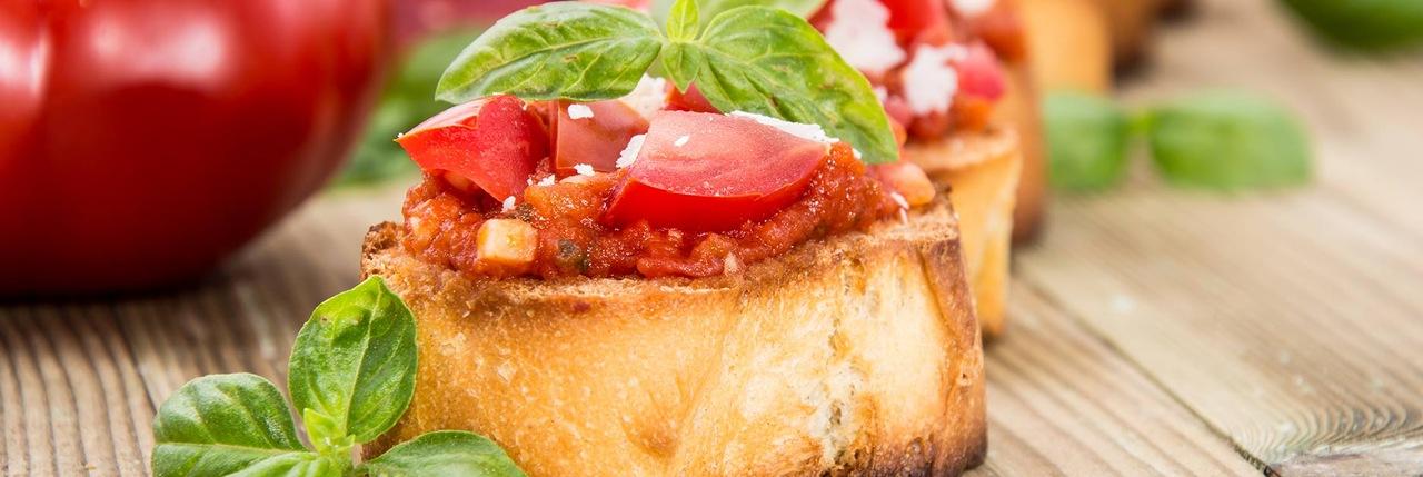 Hleb sa pestom od sušenog paradajza