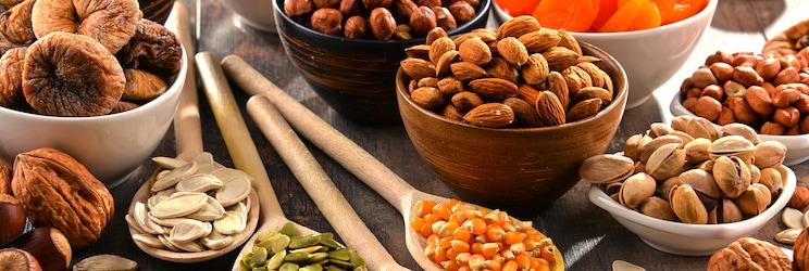 Сушені горіхи та насіння